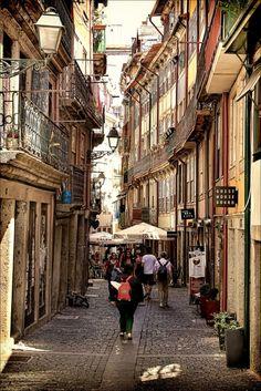 I remember this rua (street) ▓ Porto, Portugal Follow us https://www.facebook.com/enjoyportugalcountry enjoy portugal holidays www.enjoyportugal.eu