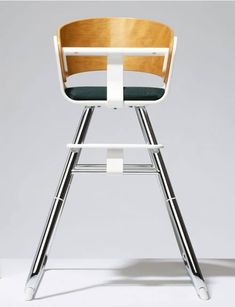 Lustful high-end high chairs fit for modern spaces do exist thanks to designer nursery brands Stokke, Leander, iCandy and Charlie Crane. Toddler Chair, Baby Chair, Modern Spaces, Nursery Design, Stylish Kids, Dinner Table, Rocking Chair, Your Child, Car Seats