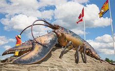 The world's largest lobster - Shediac, New Brunswick..hehe, definitely visited this guy on my way to the beach