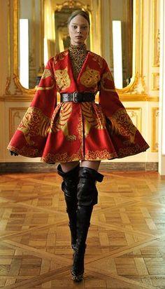 Alexander McQueen, Autumn/Winter 2010, Ready to Wear - McQueen's final collection.