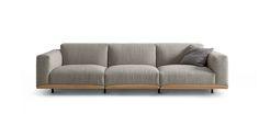 Una tipologia classica servita su un vassoio delicato. Il divano è flessibile nella configurazione – alto, basso, piccolo, grande, 2 sedute, 3 sedute, poltroncina.Sempre basato su un bordo capovolto, che ricorda il colletto dei vestiti