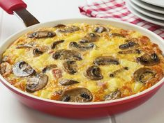 Bacon, Mushroom and Cheese Frittata Recipe Bacon Stuffed Mushrooms, Stuffed Peppers, Serotonin Foods, Turkish Kitchen, Frittata Recipes, Food Preparation, Food And Drink, Easy Meals, Healthy Eating