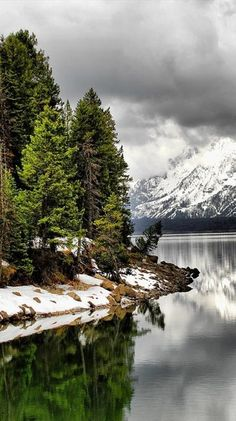 Jackson Lake at Grand Teton National Park in northwestern Wyoming • photo: David Killpack on 500px