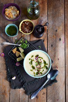 Spargelsuppe mit weißer Schokolade und Cracker - White Asparagus Soup and Crackers | Das Knusperstübchen