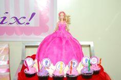 VIntage Barbie Birthday party cake Barbie Birthday Party, Birthday Party Outfits, Birthday Parties, 5th Birthday, Birthday Party Decorations Diy, Kids Party Themes, Vintage Birthday Cakes, Daughter Birthday, Vintage Barbie
