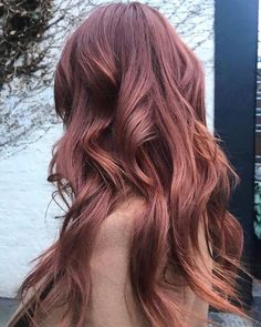 Rose brown is the new spring color for brunettes brunette spring hair color 46936021102223198 Brown Ombre Hair, Ombre Hair Color, Brown Hair Colors, Rose Gold Brown Hair, Rose Hair Color, Spring Colors, Hair Colors For Summer, Hair Color 2018, Ombre Rose