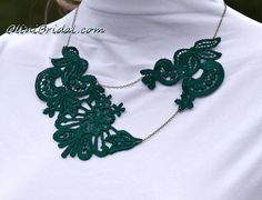 Deep Green Lace Necklace in Antique Bronze