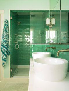 Turquoise and design on pinterest - Carrelage salle de bain bleu turquoise ...