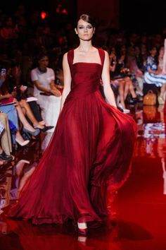 Gorgeous red wine Elie Saab evening gown Elie Saab, Christian Dior, Formal Wear, Formal Dresses, University Style, Diana, Pretty Dresses, Evening Gowns, Catwalk