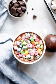 These easy hot chocolate bombs are perfect for a fun and easy cozy winter drink. Fill it with marshmallows, ganache, and more for a special treat! Homemade Hot Chocolate, Hot Chocolate Mix, Hot Chocolate Recipes, Chocolate Treats, Chocolate Flavors, Lucky Charms Marshmallows, Flavored Marshmallows, Just Like Candy, Peanut Butter Chips