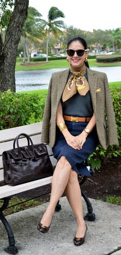 Susana Fernandez in a perfect outfit for every women. Mature Women Fashion, Over 50 Womens Fashion, Fashion Over Fifty, Look Office, Preppy Style, My Style, Professional Wardrobe, Casual Outfits, Fashion Outfits