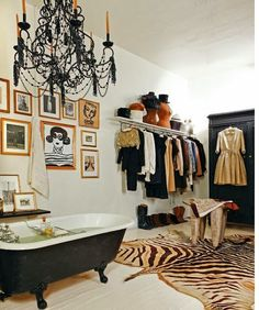 Bathtub, gallery wall of art, dressing room & closet with a partition to separate the rest of the apartment. Zebra rug grounds the room & adds the Eclectic touch! Interior Inspiration, Design Inspiration, Design Ideas, Inspiration Dressing, Design Design, Bathroom Inspiration, Design Projects, Modern Design, Home Interior