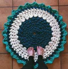 Alfombra de trapillo circular de Teresa (Somnis de colors)