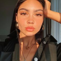 Botox - de rousseur You are in the right place about d - Instagram Pose, Instagram Girls, Insta Instagram, Instagram Makeup, Selfie Poses, Aesthetic People, Aesthetic Girl, Poses Pour Photoshoot, Cute Selfie Ideas