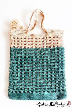 Crochet Diy, Crochet Chart, Crochet Patterns, Crochet Handbags, Crochet Purses, Yarn Stash, Crochet Videos, Knitted Bags, Crochet Accessories