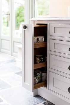 Hand-made pull-out drawers in solid oak and soft-close runners