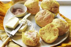 Pumpkin and Lemonade Scones. These are super-easy, super-tasty scones. They also make great lunch-box fillers. Baking Recipes, Cake Recipes, Dessert Recipes, Lemonade Scone Recipe, Baking Scones, Coles Recipe, Make Ahead Desserts, Pumpkin Scones, Pumpkin Recipes