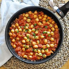 This Spanish GARBANZO BEAN SKILLET with Chunky Tomatoes is loaded with flavors, easy to make and done in 20 minutes. The perfect recipe for a busy weeknight Garbanzo Bean Recipes, Vegetarian Recipes, Healthy Recipes, Spanish Beans, Kitchen Recipes, Cooking Recipes, Garbonzo Beans, Paella Recipe, Vegan