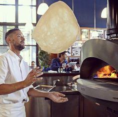 Profesionálna pizza pec Opera je najväčšou pecou v rade Alfa Pro, je k dispozícii vo verzii na plyn a drevo, alebo aj ako hybrid pri dokúpení príslušenstva Hybrid kit. #alfa1977 #pizzaoven #pizza #oven #pec #pizzapec #ristorante #forni #woodoven #kitchen #prokitchen #gastronomy #cooking #alvex Opera, Alfa Alfa, Pizza, Interior Design, Oven, Nest Design, Opera House, Home Interior Design, Interior Designing