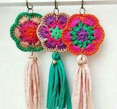 New Ideas for crochet bag pattern granny christmas gifts Crochet Diy, Crochet Home, Love Crochet, Crochet Gifts, Crochet Motif, Crochet Flowers, Crochet Patterns, Crochet Keychain, Crochet Earrings
