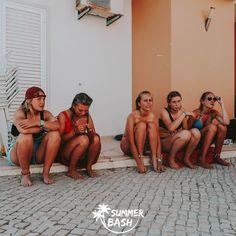 Zin in de vakantie van je leven? Samen met je vrienden feestjes bouwen, genieten van natuur & de gekste avonturen beleven. Met Summer Bash is alles mogelijk! En dit alles terwijl je veiligheid gegarandeerd wordt. Ben jij klaar voor de reis van je dromen? Wij alvast wel! Albufeira Portugal, Summer Bash, Bikinis, Swimwear, Fashion, Everything, Bathing Suits, Moda, Swimsuits