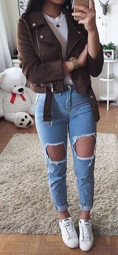 Lovely Summer Outfits To Wear Now summer outfits Brown Jacket + White Tee + Destroyed Skinny Jea Modest Summer Outfits, Jeans Outfit Summer, Cute Fall Outfits, Winter Fashion Outfits, Trendy Outfits, Brown Jacket Outfit, Black Leggings Outfit, Jean Jacket Outfits, Shirt Outfit