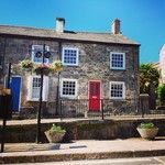 Who wouldn't want to get off at this #bustop? #beautiful #lovepenryn