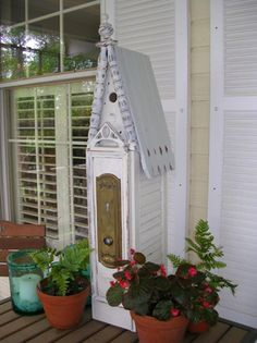 'Trash to Treasure' DIY Craft Projects using Old Shutters ~ Shutters are used as the sides of this bird house that uses multiple pieces of reclaimed building materials. Outdoor Projects, Diy Craft Projects, Diy Crafts, Outdoor Decor, Old Shutters, Bedroom Shutters, Shutters Inside, Shutter Projects, Reclaimed Building Materials