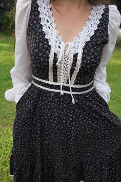 Wildflower Strewn Mid Length Gunne Sax Dress $52.00