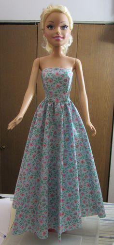 Barbie Best Fashion Friend Strapless Dress Pattern - Janel W Sewing Barbie Clothes, Barbie Dolls Diy, Barbie Clothes Patterns, Free Barbie, Girl Dolls, Barbie Gowns, Barbie Dress, Barbie Shoes, Doll Dresses