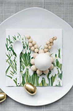 Eierbecher 9 große Holzkugeln 18mm 14 kleine Holzkugeln 12 mm Golddraht