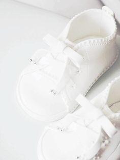 prev she-hearts-white