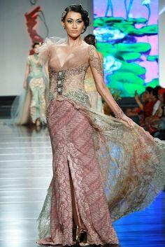 Kebaya Lace, Batik Kebaya, Batik Dress, Javanese Wedding, Indonesian Wedding, Model Dress Kebaya, Indonesian Kebaya, Modern Kebaya, Kebaya Wedding