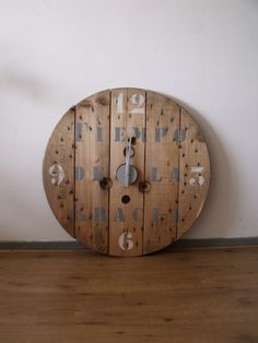 Old cable spool clock Loïs wood - Haspel klok Loïs hout - Creations by Corline