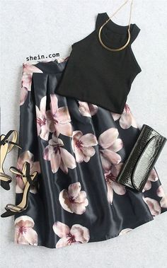 Navy Florals Flare Skirt With Zipper -SheIn(Sheinside) Black Women Fashion, Look Fashion, Womens Fashion, Party Fashion, Fashion Tips, Trendy Fashion, Fashion Beauty, Mode Outfits, Skirt Outfits