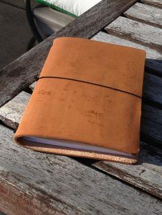 DIY leather traveler's notebook Midori style