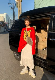 Korean Fashion Trends you can Steal – Designer Fashion Tips 70s Fashion, Asian Fashion, Modest Fashion, Look Fashion, Hippie Fashion, Modest Clothing, Tokyo Fashion, Fashion Today, Fashion Styles