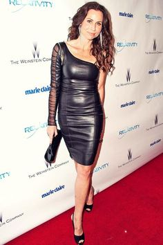 Actress Minnie Driver arrives at the 2011 InStyle And Warner Bros. Annual Golden Globe Awards post-party held at The Beverly Hilton hotel on… Black Leather Jacket Outfit, Black Leather Dresses, Hottest Female Celebrities, Celebs, Minnie Driver, Sexy Older Women, Celebrity Look, Celebrity Photos, Leather Fashion