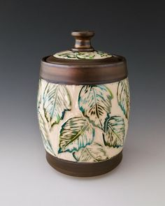 Ceramic Boxes, Ceramic Clay, Ceramic Pottery, Ceramics Projects, Ceramics Ideas, Pottery Designs, Pottery Ideas, Wheel Thrown Pottery, Pottery Techniques
