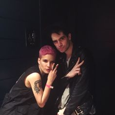 Halsey and Brendon Urie of Panic at the Disco Panic! At The Disco, Brendon Urie, Emo Bands, Melanie Martinez, Paramore, My Chemical Romance, Twenty One Pilots, American Singers, Music Stuff