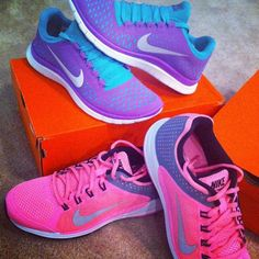 size 40 58921 5e925 NIKE WOMENS vivid pink athletic shoes Sz 6.5 new NIKE WOMENS vivid pink  athletic