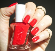 Essie Gel Couture-Review - Flashed