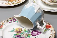 L'ArcoBaleno teamed up with venerated porcelain maker Nymphenburg to curate this exclusive Porcelain Tea Set.