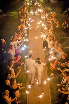 Gorgeous Wedding Sparklers to adorne this uniuqe evening wedding ceremony aisle with burlap, creative country wedding theme you can have a try. Mod Wedding, Wedding Tips, Fall Wedding, Wedding Venues, Wedding Planning, Dream Wedding, Trendy Wedding, Wedding Hacks, Wedding Reception Ideas