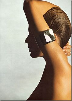 Jewelery editorial by Alberto Rizzo for a June issue of Vogue Italia 1971.