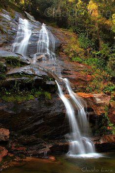 Floresta da Tijuca - Parque Nacional da Tijuca - Cascata Taunay ou Cascatinha Cascata Taunay ou Cascatinha como é chamada popularmente pelos cariocas. A cachoeira é uma das muitas da Cidade do Rio de Janeiro, que abriga a Maior Floresta em área Urba http://phongthuyvadoisong.com/ http://phongthuyvadoisong.com/442/San-Pham/ma-nao-da-ma-nao-da-agat.htm