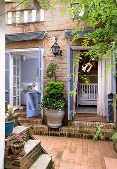 58 ideas home plans rustic exterior colors Outdoor Spaces, Outdoor Living, Outdoor Decor, Exterior Colors, Exterior Design, Magazine Deco, Small Space Interior Design, Rustic Exterior, Cottage