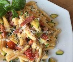 Pasta Recipes, Keto Recipes, Zucchini Pasta, Happy Foods, Gnocchi, Pasta Dishes, Pasta Salad, Potato Salad, Cabbage