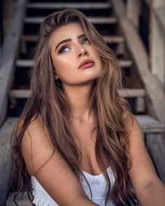 ― Anna Von Klinski( 「➡️ SWIPE to the right to see behind the scenes😜❤️ I miss LA so much. Studio Photography Poses, Photography Poses Women, Portrait Photography, Girl Pictures, Girl Photos, Pretty Girl Wallpaper, Girl Photo Poses, Beauty Women, Fashion Beauty