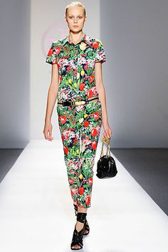 Tory Burch Spring 2010 Ready-to-Wear Collection Slideshow on Style.com